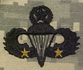 the proper wear of the army acu uniform Frequently asked questions about the us military -- us military faq #150 what is the correct way to display o-6 rank insignia.