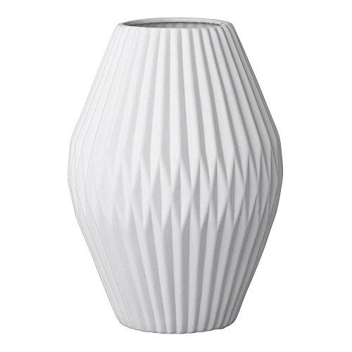 bloomingville vase aus keramik wei geriffelt 25cm ammazing. Black Bedroom Furniture Sets. Home Design Ideas