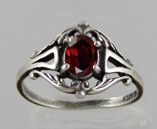A Gorgeous Victorian Sterling Silver Ring Featuring a Beautiful Faceted Garnet Gemstone