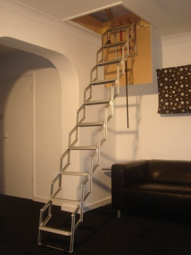 Unique 2.74m (9') Concertina Loft Ladder with Rubber Coated Non Slip Treads