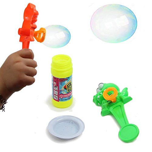 Dazzling Toys 2 Animal Bubble Blowers with Bubble Solution