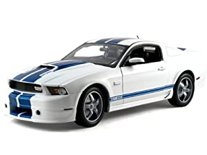 Shelby Collectibles  - Scale 1:18 2011 Shelby Mustang GT350