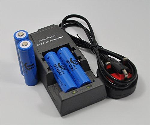 4pcs Ultrafire 18650 3000 mAh 3.7V Li-ion Rechargeable Battery+1pcs Charger