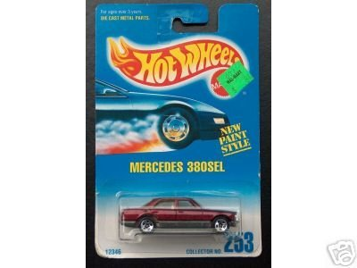 Mattel Hot Wheels 1991 1:64 Scale Maroon Mercedes 380SEL Die Cast Car Collector #253