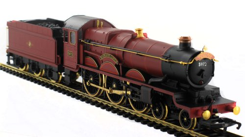 ModelZone Exclusive Hornby Harry Potter 18ct Gold Plated Hogwarts Express