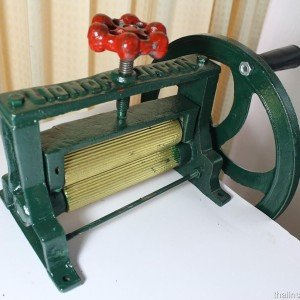 Sugar Cane Press Extractor NEW Mill Juicer Juice Cast Iron Hand Press Squid (Cane Juicer compare prices)