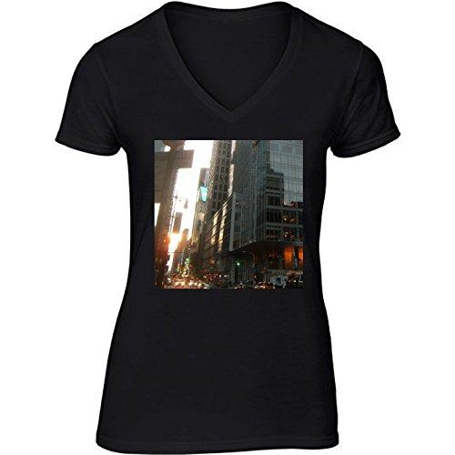 v-ausschnitt-schwarz-damen-t-shirt-grosse-m-wolkenkratzer-in-hongkong-2-by-cadellin