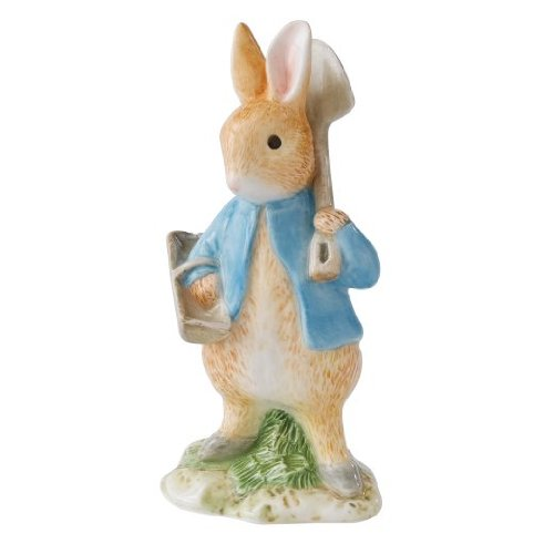 Beatrix Potter Classic Figurine - Peter Rabbit With Spade & Trug (A22870) front-720926