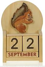 Ardilla : Hechos a mano calendario perpetuo de madera. Diversión peculiar de Navidad o idea del regalo de cumpleaños. Presente Comercio Justo (tamaño 10,5 x 7 x 3,5 cm)