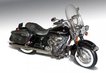 2012 Harley Davidson FLHRC Road King Classic Motorcycle Vivid Black 1/12 by Highway 61 81197