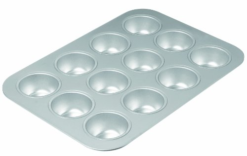 Chicago Metallic 49612 Commercial II Traditional Uncoated 12-Cup Muffin Pan