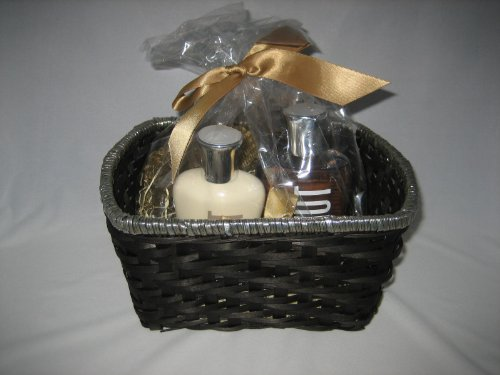 Bath & Body Works Summer Vanillas Coconut Vanilla Gift Basket - Medium