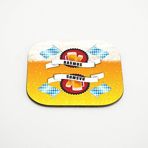 Untersetzer für Bier-Gläser mit Namen Rasmus und schönem Bier-Motiv mit weiss-blauen Flaggen