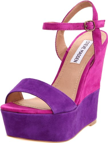 Steve Madden Women&#8217;s Wimzikul Wedge Sandal