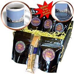 Vacation Spots - The Rialto Bridge Venezia Italy - Coffee Gift Baskets - Coffee Gift Basket
