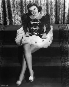 Judy Garland Sitting On Stairs In Dress #88 - 16X20 Inches Photograph High Quality