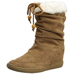 Monumental style and comfort come with an added lift in the Skechers Plus 3Pyramids boot. This slouchy women's mid-calf boot features a suede upper with faux fur trim details and a cinchable topline with beaded accents for cozy warmth and added flair...