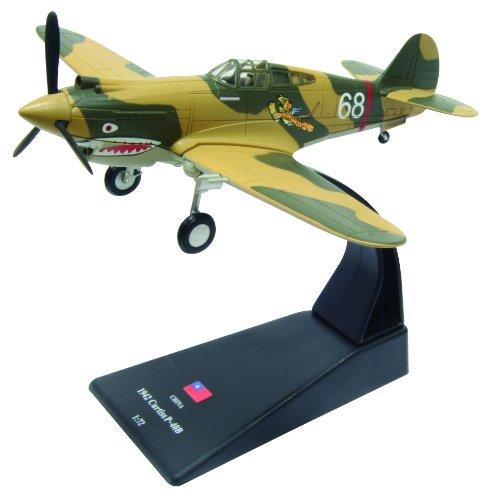 Curtiss P-40 diecast 1:72 aircraft model (Amercom SL-35)