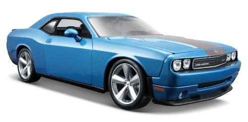 Maisto Special Edition Metallic Blue 2008 Dodge Challenger Srt8 Diecast Vehicle (1:24 Scale)