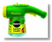 Miracle-Gro 100410  Garden Feeder, Ready-to-Use Solution, 1-Pound