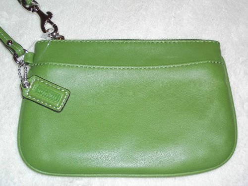COACH Leather small wristlet - Green 45651