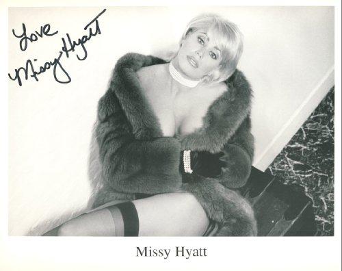 missy-hyatt-autographed-8x10-wrestling-photo