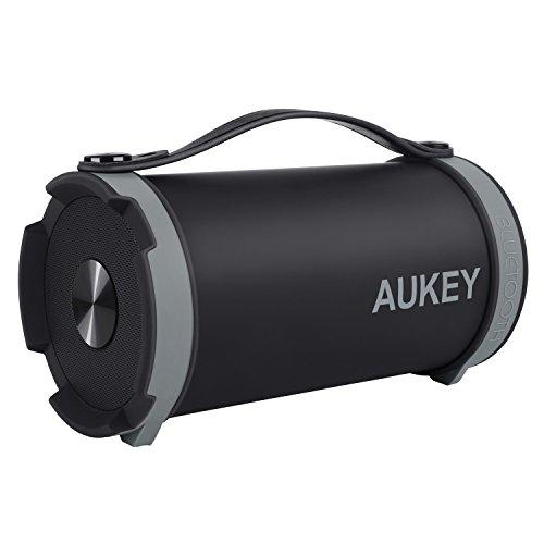 AUKEY Altoparlante Wireless Speaker Bluetooth Portatile all'Aperto11W Subwoofer, Radio FM, Built-in Batteria con Manico e Cinturino, Porta Aux-in per iPhone, Samsung, HTC, iPad, MP3, Portatili / PC, Dispositivi Android, ecc (Nero)