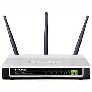 TP-LINK TL-WA901ND 300Mbps Access Point Universale / Ripetitore Wi-Fi, 3 Antenne esterne da 4 dBi (WPS, PoE Passivo, Semplice da configurare)