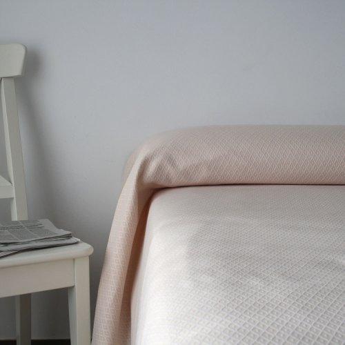 Colcha Victoria beige para cama de 135 cm