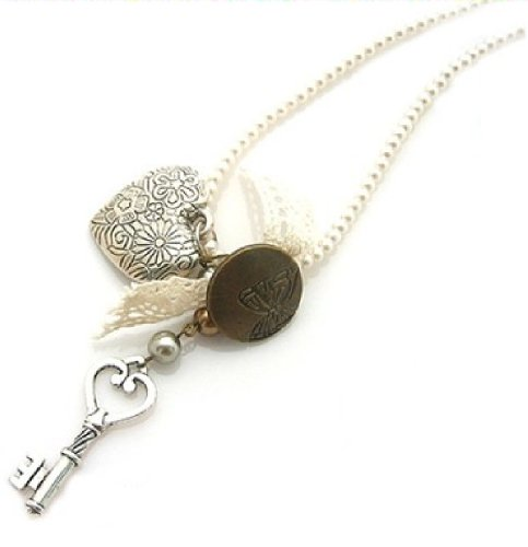 Lovely Vintage Inspired Key to My Heart Faux Pearl Charm Necklace
