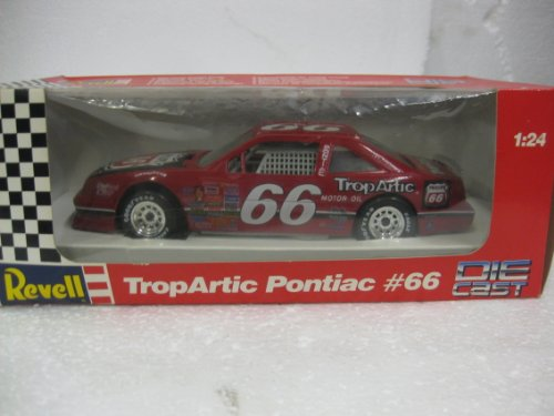 Revell 1/24 Scale Authentic Die-Cast TropArtic Pontiac #66