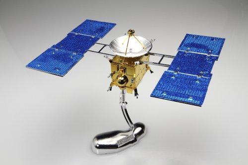 小惑星探査機 はやぶさ 特別メッキ版 (1/32 スペースクラフト No.SP) 【Amazon.co.jp限定販売】