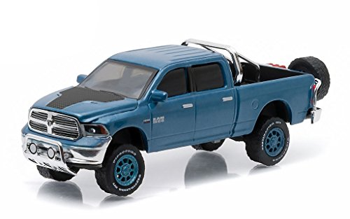 2014-dodge-ram-1500-big-horn-blue-pickup-truck-all-terrain-series-3-1-64-by-greenlight-35030-d
