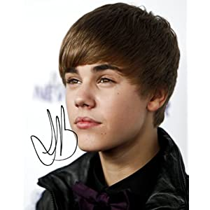 Justin Bieber Autograph on Amazon Com  Justin Bieber Autograph Signed 8x10 Photo Reprint