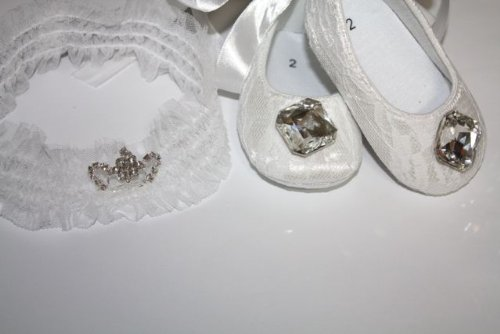 Lace Baby Girl Crib Shoes With Princess Tiara (Set) 3-6Months front-124428