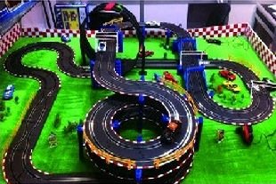 AMG Life Like Free Style spin Slot Car Track Set - Racing Showdown 33ft of Track + 160pcs Accessories! 4 Cars- Limited Edition