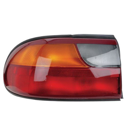 chevrolet-malibu-classic-tail-light-assembly-left-driver-side-on-rear-1997-2005