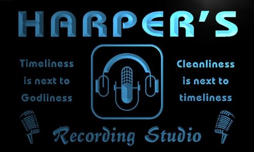 Qm1185-B Harper'S Recording Studio Microphone On The Air Neon Beer Sign