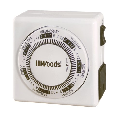 Woods 59202 7-Day Vacation Security Lamp and Appliance Timer with 3-Prong Outlet