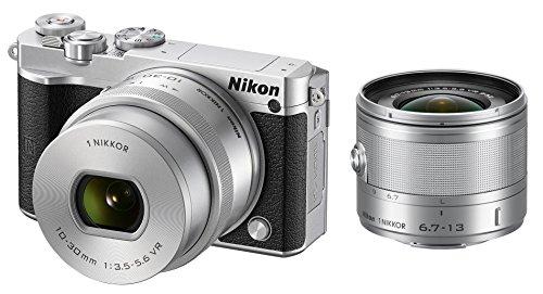 【オリジナルセット】Nikon ミラーレス一眼 Nikon 1 J5 ダブルズームセット シルバー (超広角 1NIKKOR VR 6.7-13mm f3.5-5.6 + 標準ズーム 1 NIKKOR VR 10-30mm f/3.5-5.6 PD-ZOOM付属)