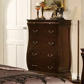 Brunswick Traditional Chest of Drawers in Dark Walnut