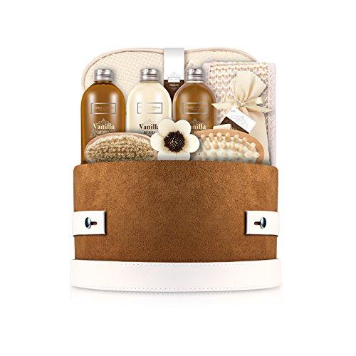 award-winning-christmas-gift-winter-in-venice-presents-its-vanilla-berry-hat-box-lush-vanilla-vitami