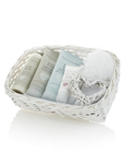 La Maison de Senteurs Wicker Hamper Gift Set