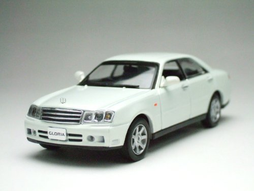 j-collection-1-43-nissan-altima-gloria-z-white-pearl-japan-import-by-kyosho-by-kyosho