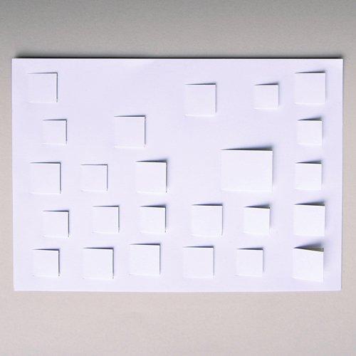 Bastel-Adventskalender DIN A4, Vorderseite mit vorgestanzten (noch geschlossenen) Türchen, Opalkarton 246 g/qm