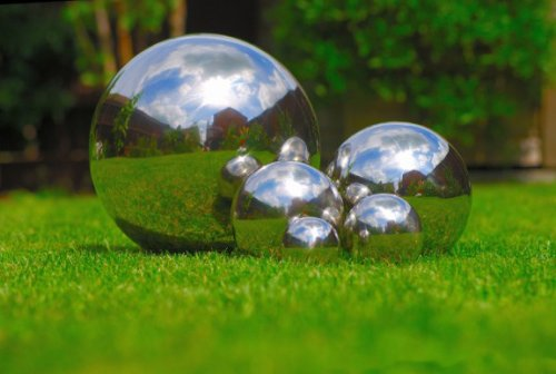 Stainless Steel Mirror Sphere Garden Ornament 27cm