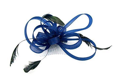 Bleu marine à fascinater avec plumes monté sur un peigne pour mariages, courses, Bal