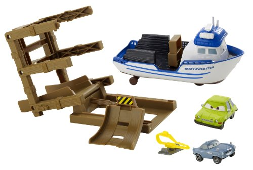 Cars 2 Action Agents Crabby Boat Vehicle Playset with 2 Character Cars
