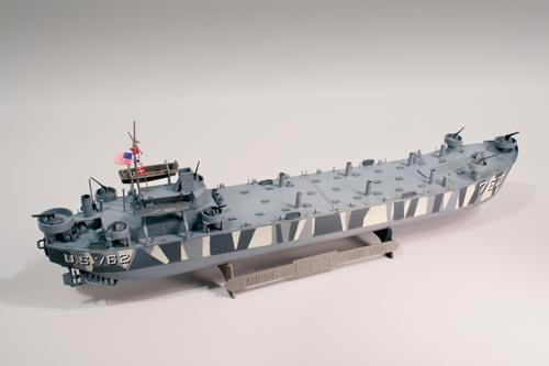 D-Day Invasion LST (Landing Ship Tank) 1-245 Lindberg