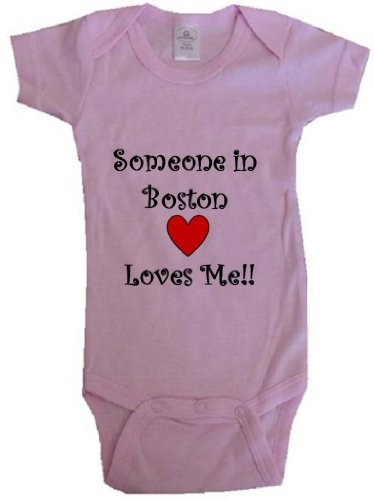 SOMEONE IN BOSTON LOVES ME - BOSTON BABY - City-series - Pink Onesie / Baby T-shirt - size Small (6-12M) at Amazon.com